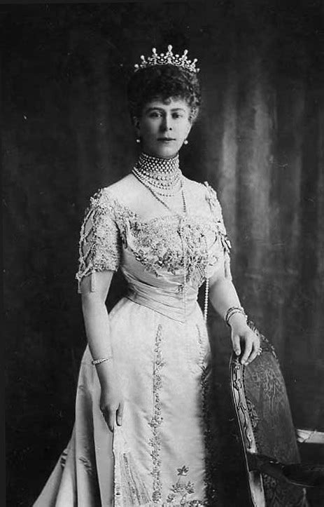 File:Queen Mary of the United Kingdom, c. 1911.jpg