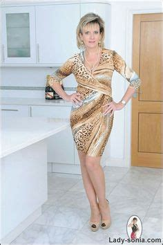 lady sonia in tiny dress sonia tight jeans busty mature wife sonia lindsey aka