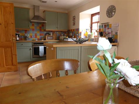 Roma Kitchens Reviews by Review Rome Mews Cottages Cottage With Lovely