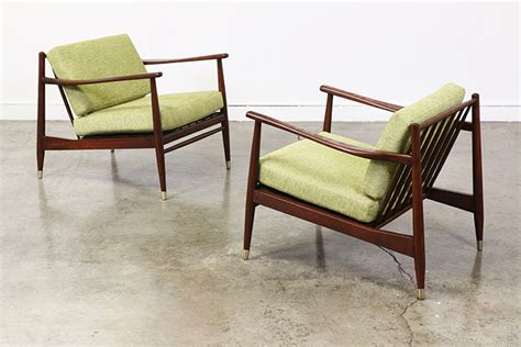 Mid Century Modern Lounge Chairs by Mid Century Modern Walnut Lounge Chairs Vintage Supply Store