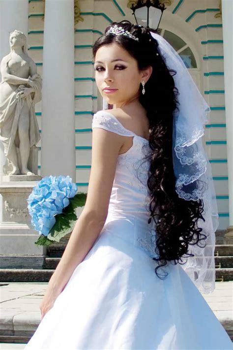 Offene Brautfrisuren Mit Schleier by Brautfrisuren Lange Haare Mit Schleier Hochzeitsportal24