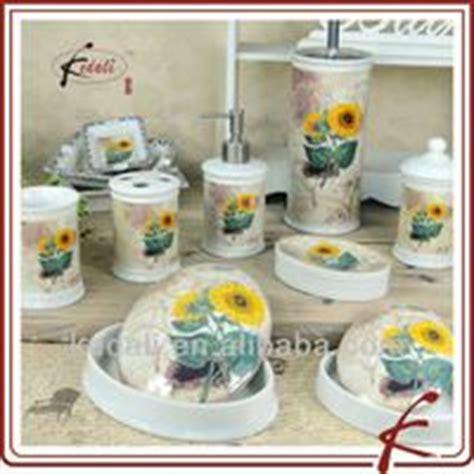 sunflower bathroom accessories 1000 images about sunflower bathroom toilet on pinterest