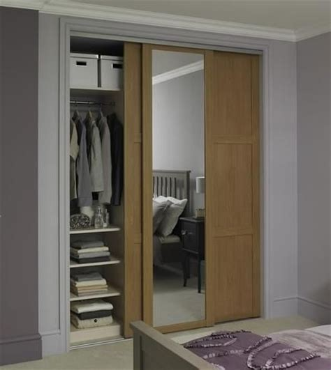 Howdens Bedroom Wardrobe Shaker Panel Mirror Door Oak Sliding Wardrobe Doors