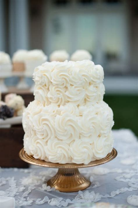 Simple Wedding Cake And Cupcakes by Best 25 Ruffled Wedding Cakes Ideas On
