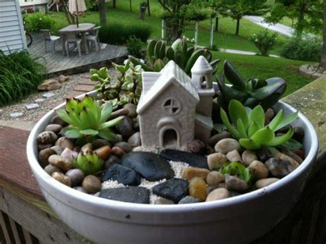 Home Garden Decoration Ideas by 15 Fantastic Succulent Garden Ideas For Your Home