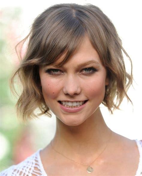 karlie kloss short hair stylenoted the short waves of karlie kloss are