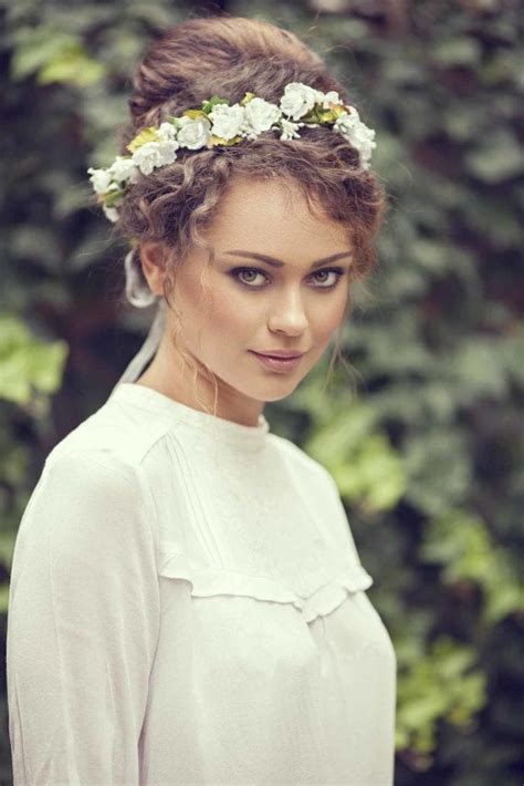 Wedding Hair Updo Curly by Wedding Updos For Curly Hair 9 Gorgeous Looks To Try