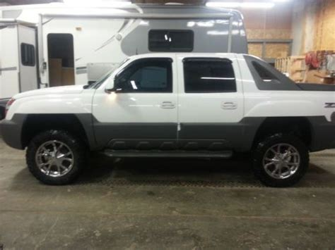 how to work on cars 2002 chevrolet avalanche 1500 user handbook purchase used 2002 chevrolet avalanche 1500 z71 crew cab pickup 5 3l v8 custom lifted chevy in