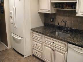 How to make glazed white kitchen cabinets with refrigrator