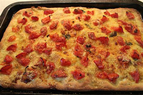 pizzeria a casa pizza al pomodoro fatta in casa donnepasticcione