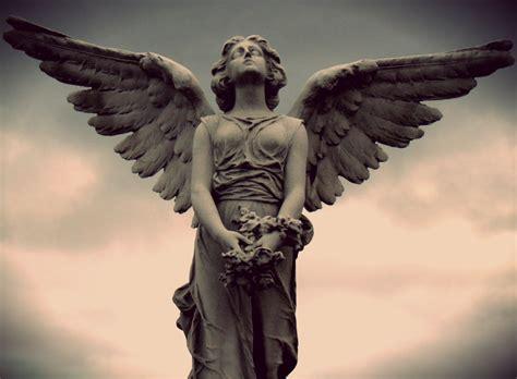 angel sculptures angel statue by vini07 oh craaaaaayolas weeping angels
