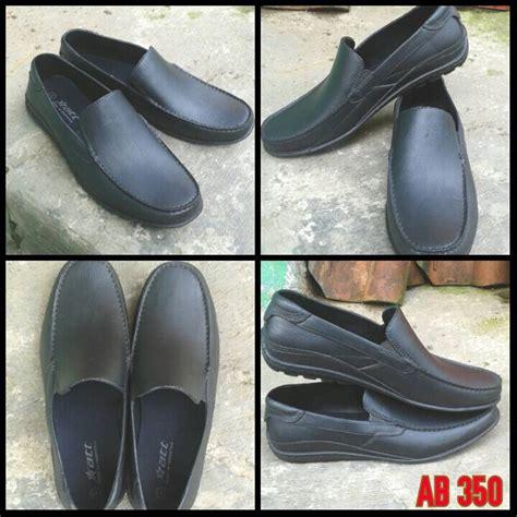 Sepatu Air 4 Sepatu Karet Att Ab350 Pantofel Kantor Anti Air