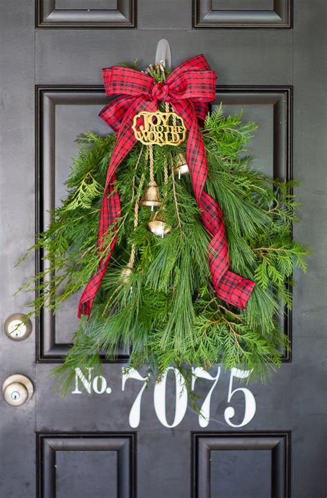 Hgtv Home Decorating Ideas evergreen holiday door swag i heart nap time