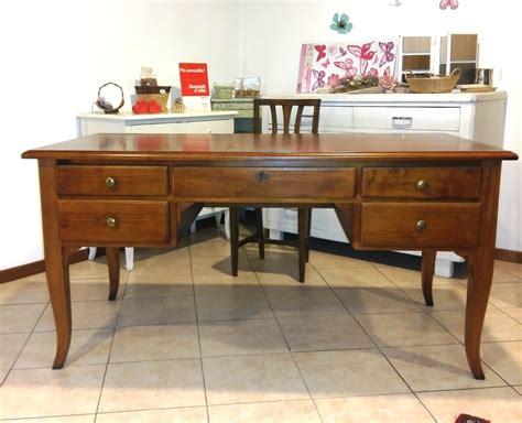 scrivania arte povera prezzi scrivania con cassetti in noce arte povera veneta tavoli