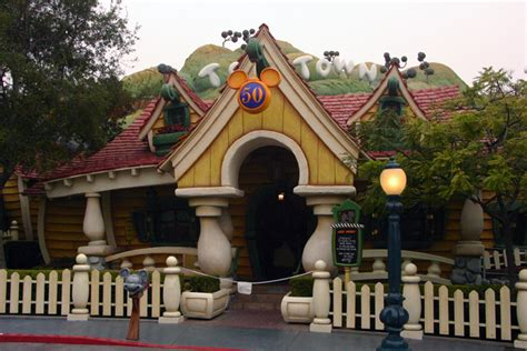 toontown house mickey s house