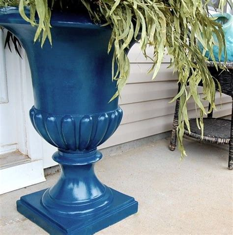 Planter Urns Cheap by 17 Best Ideas About Urn Planters On Topiary