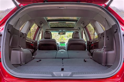 How Many Seats Does The Kia Sorento 2014 Kia Sorento Test Drive Luxury Inside And Out Slashgear