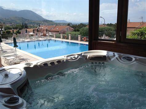 foto vasca idromassaggio hotel con vasca idromassaggio a maratea hotel ristorante