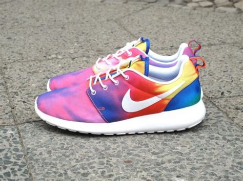 does the color run stain shoes nike roshe run tie dye sole collector