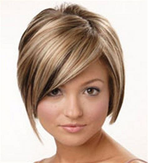 blonde and caramel highlights on short bobs a lovely layered bob with blonde and caramel coloured