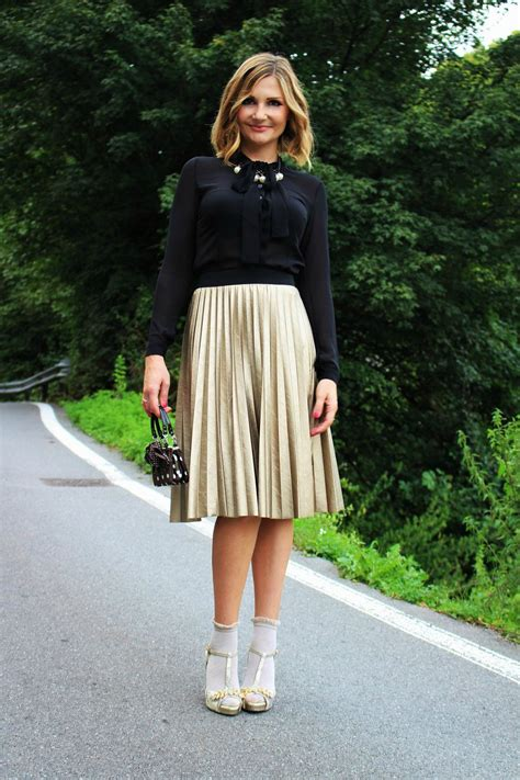 marvelous pleated skirt for fashionistas ohh my my