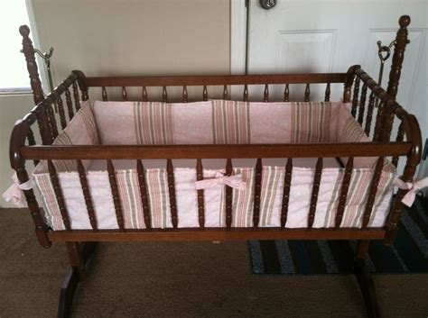 Make Crib Bumper by This In Depth Tutorial Will Show You How To Make A Bumper