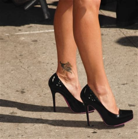 kelly ripa tattoo wrist ripa on wrist