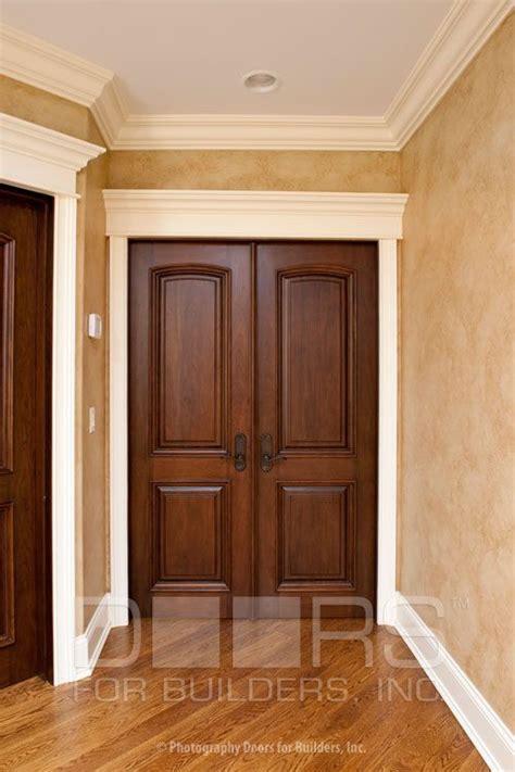 Kirsch Interior by Best 20 Stained Wood Trim Ideas On Wood Trim