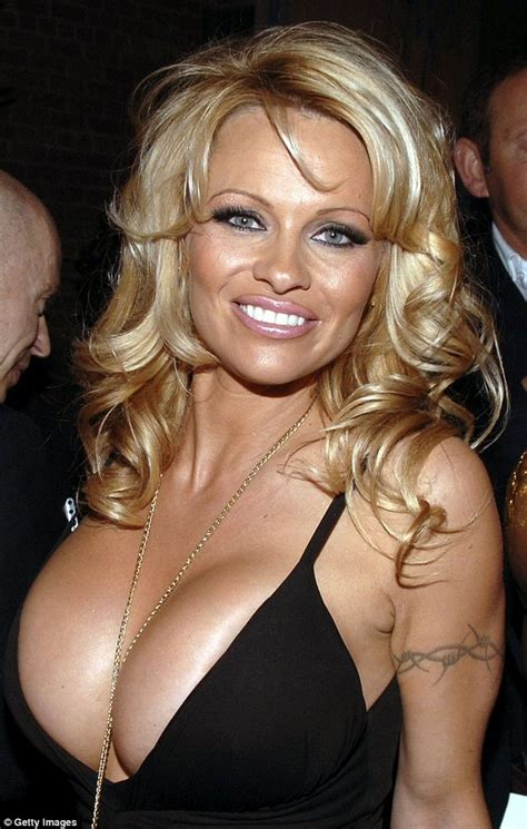 showbiz hottie pamela anderson is our throwback hottie