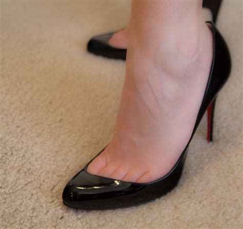 Do You Work The Toe Cleavage by Toe Cleavage At Work Workpumps