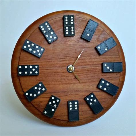 create  quirky wall clock   full  personality   thrifted cutting board
