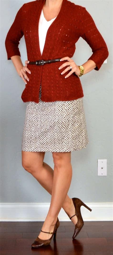 posts rust knit cardigan white cami printed
