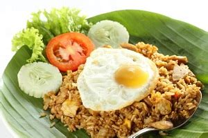 membuat nasi goreng telur mata sapi enak kuliner