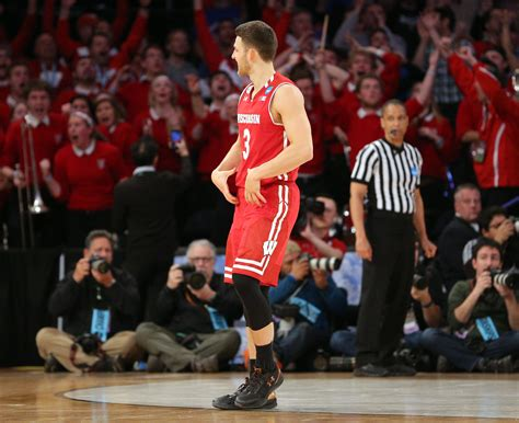 Wisconsin Vs Florida Mba by Zak Showalter Ties With 3 Gives Aaron Rodgers