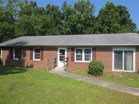 208 mcclure circle castle hayne nc 28429 foreclosed home