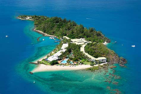 island of dreams a you should experience daydream island at least once in