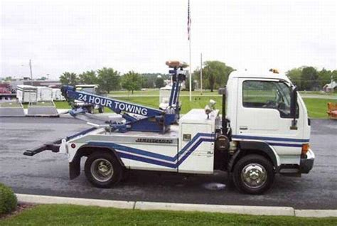 Udel Search 1997 Ud White 1400 Tow Truck Picture Ud Nissan Truck Pictures