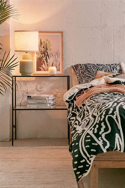 Bedroom Furniture Outfitters Best 25 Metal Side Table Ideas On