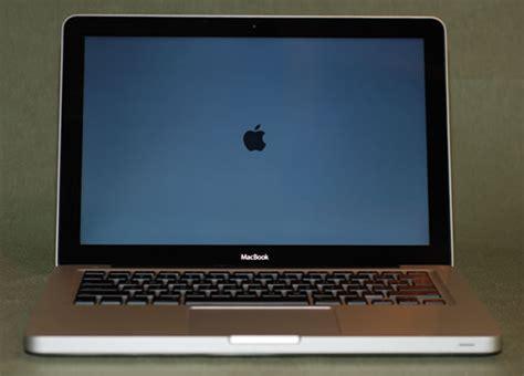 Macbook Unibody 5 1 vendo macbook 5 1 macbook unibody plateado 4gb ram ddr3 500gb disco finalizada