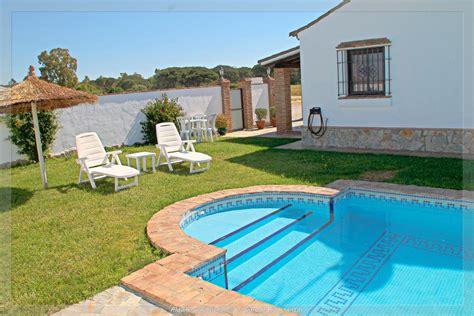 casas vacaciones conil casa de vacaciones casa con piscina 92 espa 241 a conil de la