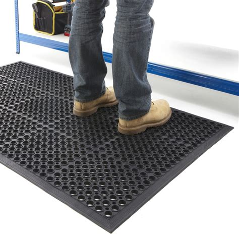 Floor Mats For Work by Why Rubber Mats Work So Well