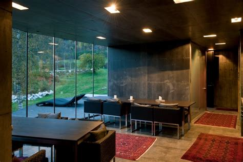 juvet landscape hotel ex machina minimalist juvet landscape hotel in norway