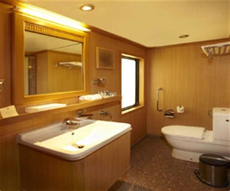 maharaja express bathroom maharajas express the heritage of india 7n 8days luxury