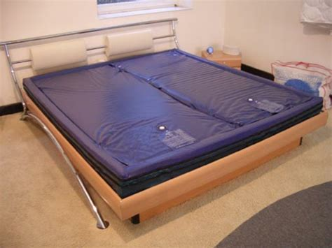 wasserbett matratze moderne wasserbetten wirken schick und machen spa 223