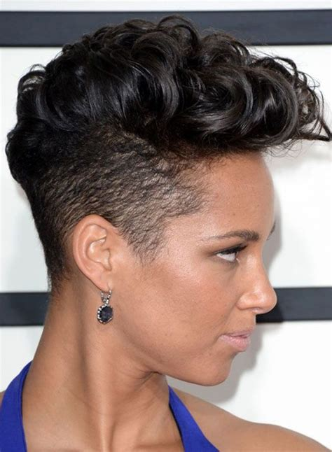 hairstyles for black women with short neck les 25 meilleures id 233 es concernant cheveux de mohawk sur