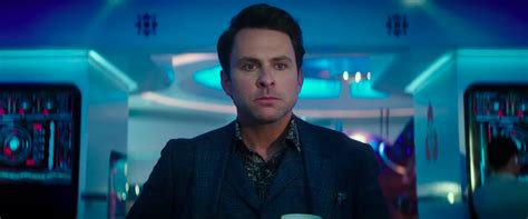 charlie day pacific rim 2 why does newt feel like the main villain in pacific rim