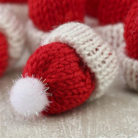 how to knit a tiny hat tiny knitted hats miniatures