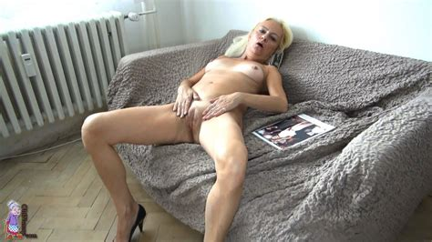 Sexy Blonde Mature Undressing And Opening Her Pussy Wide