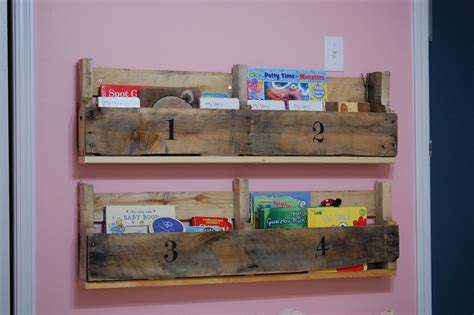 creative outlets of a thrifty minded momma wooden pallet