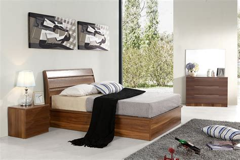 Solid Walnut Bedroom Furniture Designer Walnut 100 Percent Solid Mdf Wood Bedroom Set